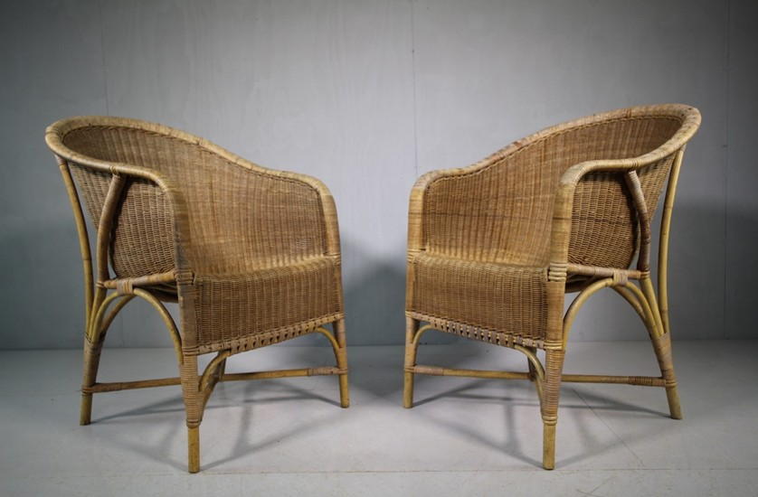 antique rattan chairs