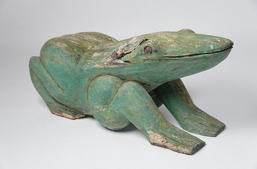 Frog with green patina